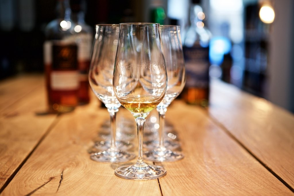 Whisky im Glas bei Delicious Berlin