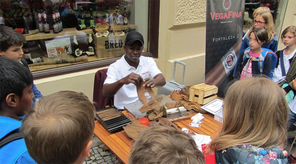 Zigarrenroller Cesar aus Dominikanischen Republik
