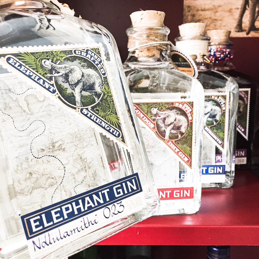 Elephant Gin in Berlin im Regal