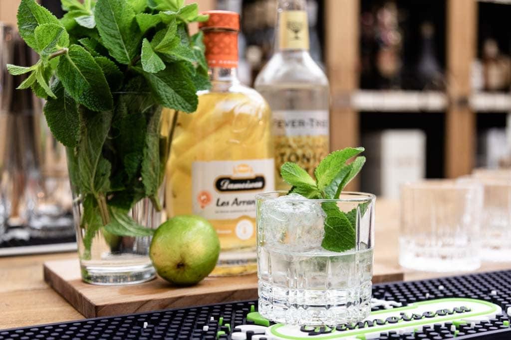 Drinks mit Rum: Les Arrangés Tonic